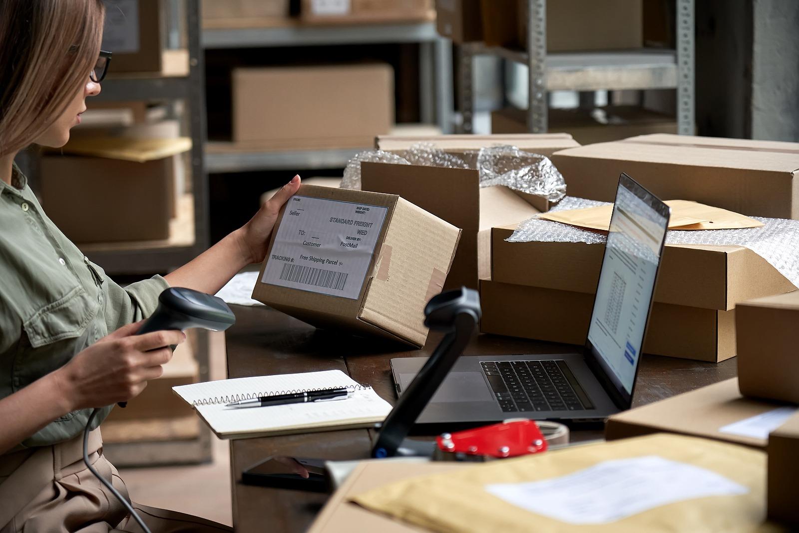 customer fulfilment operations at an ecommerce warehouse